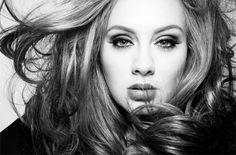 """Адель бьёт рекорды с новым синглом """"Hello"""" (+видео)"""