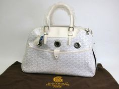 #Goyard Sac Cyan Yuro PM Dog carry bag Canvas/Leather White(BF065139). All of eLADY's items are inspected carefully by expert authenticators who have years of experience. For more pre-owned luxury brand items, visit http://global.elady.com