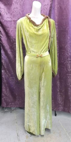 RARE! ONE OF A KIND !! 20s-30s Chartreuse Rayon Silk Velvet Jumpsuit w/ Fur Trim