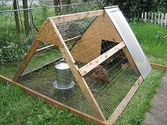 A chicken ark or chicken tractor, by Steven Walling (Creative Commons Attribution 1.0)