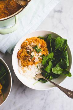 Kokos linzen dahl, in plaats van een soep met kokos en linzen. Een lekker, makkelijk én gezond recept.