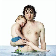 *** WATERPORTRAITS # 2 portretten van VADERS MET KIND IN WATER ***