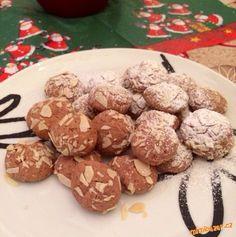 Maslo vyslehejte s cukrem do peny, pak pridejte citr. Christmas Baking, Christmas Cookies, Czech Recipes, Crinkles, Rum, Almond, Czech Food, Advent, Cakes