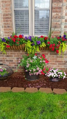 Love this window box. 2019 Love this window box. The post Love this window box. 2019 appeared first on Flowers Decor. Garden Projects, Garden Design, Window Baskets, Plants, Window Box Plants, Front Yard Landscaping, Lawn And Garden, Outdoor Gardens, Container Gardening Flowers