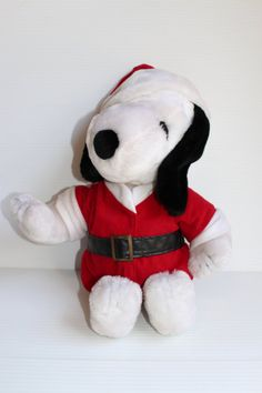 SNOOPY SANTA CLAUS, Peanuts plush, Vintage Peanuts Character, Christmas plush,Vintage collectible, Stuffed Snoopy dog, Christmas gift