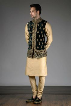 Noida's largest online shopping store for designer Indo westerns menswear. Latest collections of Indo western menswear in Delhi NCR & California. Casual Wedding Suit, Wedding Outfits For Groom, Wedding Dress Men, Indian Wedding Outfits, Indian Outfits, Indian Wedding Clothes For Men, Sherwani For Men Wedding, Mens Sherwani, India Fashion Men