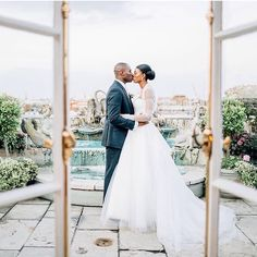 Another shot of my #naturalhair bride @ijayy  Repost @jacob_and_pauline: Ijay and Tolu's Wedding | The Dorchester Hotel, London, UK featured on Style me Pretty @smpweddings: http://www.stylemepretty.com/destination-weddings/2015/11/09/lavish-london-wedding-full-of-glamour-at-the-dorchester-hotel/ Photography: @jacob_and_pauline Event Planning: @planned2perfection Wedding Cake: @sweethollywood Floral Design: @nbflowers.co.uk Ltd Stationery: @HipTwist Wedding Stationery  Hair @dionnesmithhair…