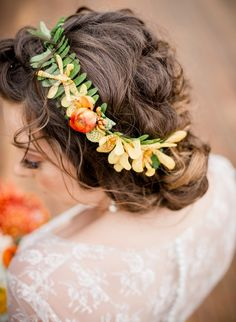 Are you dreaming of a pretty Spring wedding? Then you'll love our tropical inspiration for an orange and yellow wedding colour scheme! Makeup Inspiration, Wedding Inspiration, Wedding Ideas, Makeup Ideas, Wedding Stuff, Bali Wedding, Summer Wedding, Wedding Ceremony, Wedding Decorations