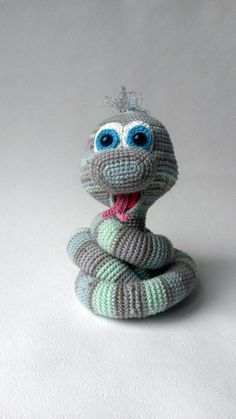 Can you resist those lovely eyes? With this detailed crochet pattern it will be pretty easy for you to make this little snake on your own. If you want to give Elsa a new home, there is not much you need to know, because there are no difficult stitches use