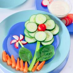 Vegetable Flowers with Homemade Ranch Dip Healthy snacks Fall Snacks, Cute Snacks, Lunch Snacks, Cute Food, Healthy Snacks, Good Food, Kid Snacks, Eat Healthy, Funny Food