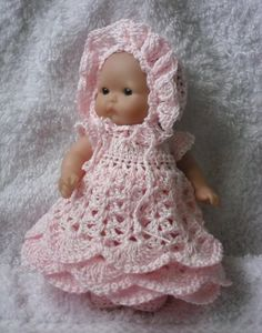 Long gown set for 5 inch Berenguer baby doll This pattern is for a long gown, bonnet, knickers and shoe set using size 10 crochet cotton. It will fit a 5 inch baby doll such as a Berenguer or Itty bitty baby. Baby Girl Patterns, Baby Clothes Patterns, Baby Doll Clothes, Doll Patterns, Baby Dolls, Crochet Patterns, Sewing Patterns, Crochet Doll Dress, Crochet Doll Clothes