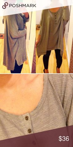 ❣S/M❣ Loose Gray Batwing Oversized Tunic Top These pictures do not do this tops justice!!! It's so comfy, oversized and perfect! Great to dress up with heels and jeans or to lounge in with leggings and slippers! Raw edges so there may be loose strings but that's the point of this cute top! (Had a customer use that as an excuse for a return so I am pointing the obvious out in the description) Runs oversized! Tops Blouses