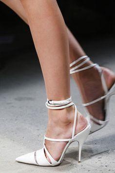 White Narciso Rodriguez 2014 :) #shoes #style #fashion www.hawanim.com