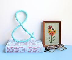 craft, knit ampersand, knitting patterns, ampersand wall, sheepish girl, diy wall decorations, room accessories, 3d letters, diy knit