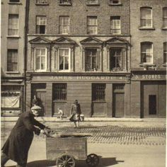 (Image posted by 'Dublin Tenement LIFE') Old Images, Old Pictures, Old Photos, Vintage Photos, Dublin Bay, Dublin Ireland, Cork Ireland, Dublin Street, Old Street
