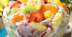 Hawaiian Cheesecake Salad 1 pck cream cheese 1 package instant cheesecake pudding 1 cup Int'l Delight French Vanilla Creamer (liquid) 1 pound strawberries 4 mandarin oranges 1 can pineapple 3 kiwi 2 mangoes 1 banana, cut into coins juice of lemon Dessert Salads, Fruit Salad Recipes, Dessert Recipes, Fruit Salads, Jello Salads, Party Recipes, Strawberry Banana Cheesecake Salad, Cheesecake Pudding, Hawaiian Cheesecake Salad Recipe