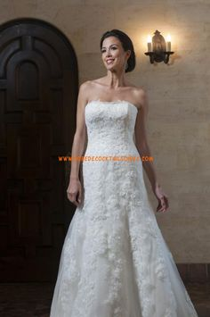 See related links to what you are looking for. Wedding Dress Organza, Wedding Dresses 2014, Elegant Wedding Dress, Bridal Gowns, Prom Dresses, Luxe Wedding, Wedding Beauty, Summer Wedding, Inexpensive Wedding Dresses