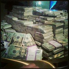 I am grateful for the abundance of money that flows effortlessly to me
