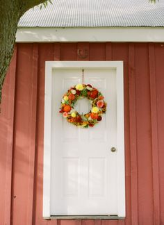 fall dahlia wreath | Abby Jiu #wedding