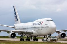 Air France - Boeing 747-400 - F-GITF | CDG/LFPG Boeing 747 400, Gaulle, Air Lines, Air France, Air Travel, Helicopters, Sailing Ships, Planes, Pictures