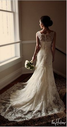 Lace back/neckline