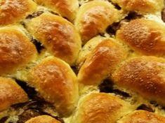 Ostoros kalács Hot Dog Buns, Hot Dogs, Hamburger, Bread, Recipes, Food, Rezepte, Essen, Hamburgers