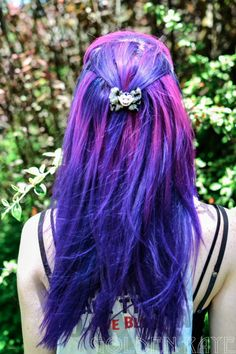 My hair wasn't this color, but it really makes me miss my purple hair.  :o)
