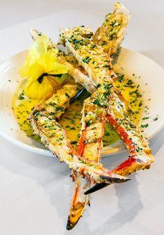 Alaskan King Crab Legs -- perfect recipe for Porter & York crab legs. Best Seafood Recipes, Crab Recipes, Seafood Dishes, Fish And Seafood, Crab Legs Recipe, My Favorite Food, Favorite Recipes, Alaskan King Crab, King Crab Legs