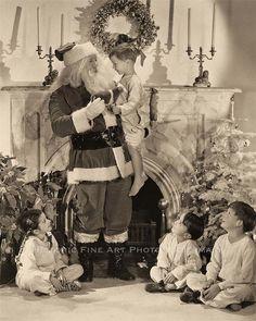 OLD VINTAGE CHRISTMAS PHOTO TREE CUTE GIRL BOY SANTA HOME ORNAMENTS 1950s- 20860