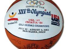 b6675561dc Blog Esportivo do Suíço  Leilão de bola autografada pelo Dream Team dos EUA  arrecada US