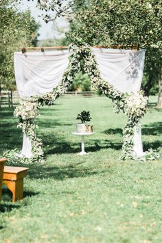 Romantic Floral Wedding by Hay Alexandra and Geomyra Lewis Wedding and Events