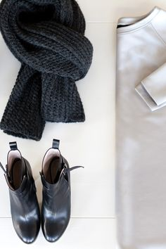 Minimal + Chic // Wrap Boot - Black | Emerson Fry