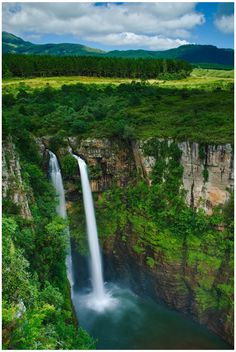 The Mac-Mac Falls is a waterfall on the Mac-Mac River in Mpumalanga, South Africa Beautiful Waterfalls, Beautiful Landscapes, Places To See, Places To Travel, Travel Destinations, Places Around The World, Around The Worlds, Beau Site, Les Cascades