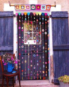 Hippie House, Hippie Home Decor, Bohemian Decor, Boho, Crochet Decoration, Crochet Home Decor, Crochet Crafts, Crochet Curtains, Beaded Curtains