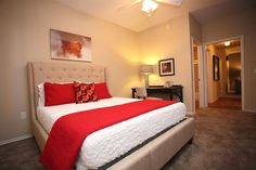 I like this red accent on the bed, Alex has a private room in Phoenix, AZ. www.roomster.com/Listing/Profile/3087881