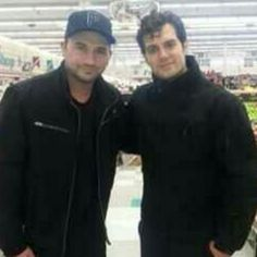 NEW PIC ALERT: @OnTheFlix  (Twitter) shared this picture of #HenryCavill at a Michigan store from last week.  Henry told the lucky fan he was about to start filming Batman vs. Superman.  #HenryCavill #ManofSteel #BatmanvsSuperman #Superman #Batman #Detroit