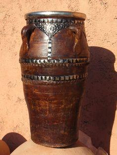 Ankor Metal dark with metal € Container, Vase, Metal, Home Decor, Terracotta, Morocco, Decoration Home, Room Decor, Metals