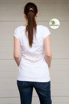www.libminna.at V Neck, T Shirts For Women, Tops, Fashion, Fabrics, Clothing, Nice Asses, Moda, Fashion Styles