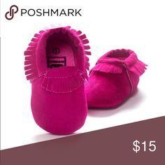 Pink baby moccasins  BIRTHDAY PRICE 🎂 Cute moccasins w fringe. Shoes Moccasins