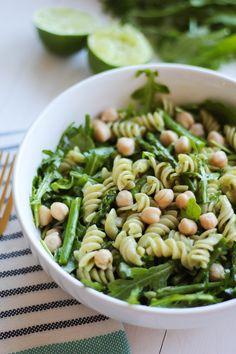 Green Goddess Pasta Salad with Cilantro Lime Dressing {vegan, gluten free} // pumpkinandpeanutbutter.com