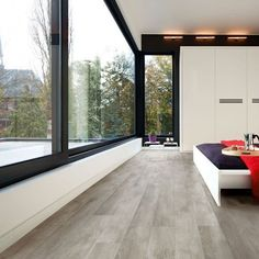 Make use of this self-help guide to the most popular 2019 laminate flooring trends and find fashionable, durable laminate flooring suggestio… Laminate Flooring Basement, Herringbone Laminate Flooring, Laminate Flooring Colors, Types Of Wood Flooring, Luxury Flooring, Solid Wood Flooring, Timber Flooring, Best Laminate, Arquitetura