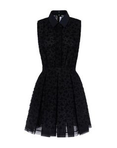 {VICTORIA, VICTORIA BECKHAM} Short dress. *Just a tad out of my price range, but pretty nonethless
