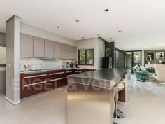 Spectacular home within an exclusive estate Kitchen Confidential, Ping Pong Table, Living Room, Architecture, Furniture, Design, Home Decor, Arquitetura, Decoration Home