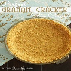 Perfect Graham Cracker Crust , Directions: Preheat oven to Place graham crackers in a gallon-sized Ziploc bag. Squeeze as much air out as you can and seal tightly. Using a roll (Favorite Pins Pie Crusts) Pudding Desserts, No Bake Desserts, Just Desserts, Delicious Desserts, Yummy Food, Graham Cracker Crust, Graham Crackers, Do It Yourself Food, Cream Pie