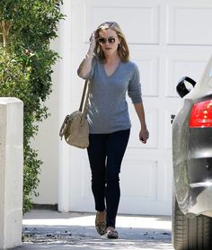 Reese Witherspoon - Reese Witherspoon Goes to a Friend's House. Love Reese.