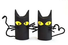 Cats, bats and spiders are the absolute go-to crafts every Halloween - and these. - Cats, bats and spiders are the absolute go-to crafts every Halloween – and these Toilet Roll Cats - Chat Halloween, Theme Halloween, Holidays Halloween, Toilet Roll Craft, Toilet Paper Roll Crafts, Manualidades Halloween, Cat Crafts, Kids Crafts, Dragon Crafts