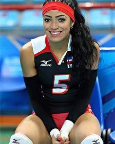 Dominicana #BrendaCastillo seleccionada como la mejor jugadora de #volleyball del mundo
