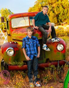 kid pics, backdrops, old trucks, colors, famili pictur, older brothers photography, fathers, brother photo shoot, families
