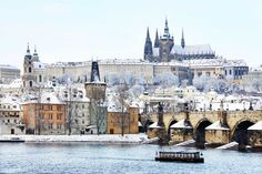 Things to do in winter in Prague written by a local.), January or February for the best Prague winter experience. Prague Christmas Market, Budapest City, Prague Travel, Prague Castle, Photos Voyages, City Break, Week End, Eastern Europe, Winter Holidays