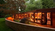 This Frank Lloyd Wright Home Was a Trailblazing Example of Accessible Design The Laurent House in Rockford, Illinois, was built 40 years before the Americans with Disabilities Act became law Frank Lloyd Wright Style, Frank Lloyd Wright Buildings, Usonian, House Foundation, Next At Home, Inspired Homes, Architecture Design, Organic Architecture, Beautiful Homes